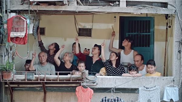 """MV Thật bất ngờ gây ấn tượng với bối cảnh hài hước, nội dung sâu sắc và dàn diễn viên quần chúng vô cùng """"nhập tâm"""". - Tin sao Viet - Tin tuc sao Viet - Scandal sao Viet - Tin tuc cua Sao - Tin cua Sao"""