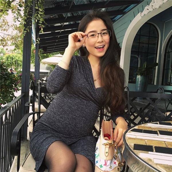 Nam Thương xinh đẹp và rạng rỡ ngay cả khi đangmang thai. (Ảnh: Internet)
