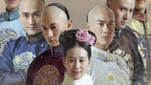 Bộ Bộ Kinh Tâm cũng xếp vào danh sách phim truyền hình kinh điển của Hoa ngữ khi không chỉ tạo bão ở trong nước mà còn rất được chào đón ở Nhật Bản.