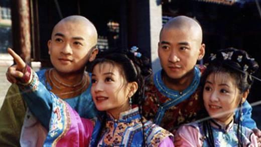 Hoàn Châu Cách Cách là bằng chứng mạnh mẽ cho sức hút của thương hiệu Quỳnh Dao một thời. Phim không chỉ gây bão ở xứ Trung mà còn rất được chào đón tại các quốc gia châu Á khác như Mông Cổ, Hàn Quốc và Việt Nam.