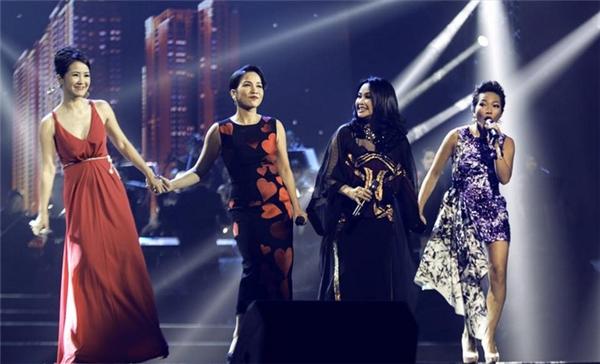 Lần đầu tiên, bốn diva làng nhạc Việt sẽ cùng nhau hòa giọng trong những nhạc phẩm bất hủ. - Tin sao Viet - Tin tuc sao Viet - Scandal sao Viet - Tin tuc cua Sao - Tin cua Sao