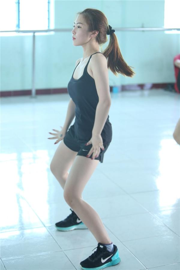 Tham gia The Remix, Hương Tràm dành hầu hết thời gian để tập luyện vũ đạo cũng như trong phòng thu. - Tin sao Viet - Tin tuc sao Viet - Scandal sao Viet - Tin tuc cua Sao - Tin cua Sao