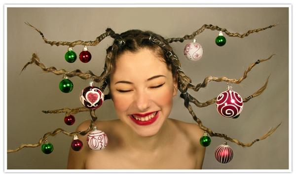 Bức ảnh một người mẫu tóc được tạo hình trong bộ ảnh Giáng sinh. (Ảnh: Internet)