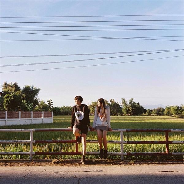 """Tình yêu của Wei Kong và Shiyuan vừa yên bình lại vừa ngọt ngào như những bộ phim tình cảm khiến ai nấy đều """"tan chảy"""". (Ảnh: Internet)"""