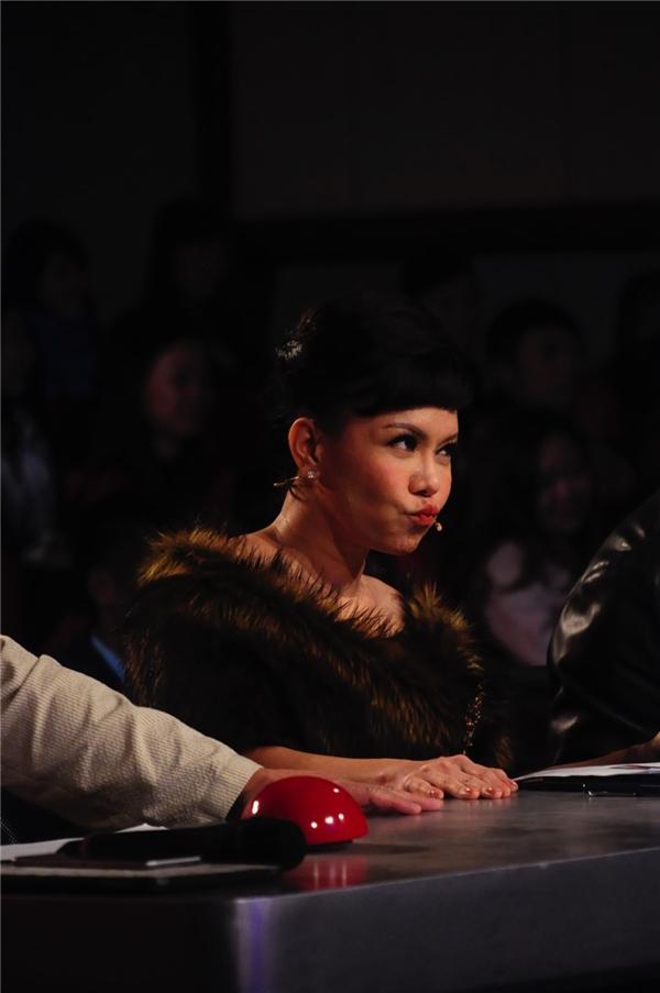 Tham dự chương trình Tìm kiếm tài năng Việt 2016, Việt Hương chia sẻ, cô sẽ công tâm đối với tất cả các thí sinh. - Tin sao Viet - Tin tuc sao Viet - Scandal sao Viet - Tin tuc cua Sao - Tin cua Sao