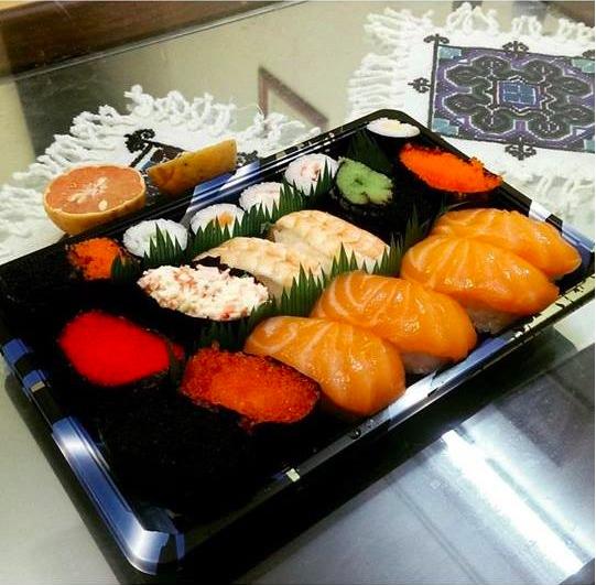 """Sushi đủ loại vừa tươi ngon lại cực kì thích mắt, chỉ nhìn thôi cũng đủ thấy """"chịu không nổi. (Ảnh: Internet)"""