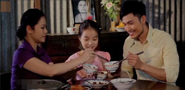 """Nhật Kim Anh chia sẻ rằng sẽ không có những phần tiếp theo sau hai MV này nữa bởi: """"Bất kìmón ăn nào ăn sẽ ngon nếu ăn vừa đủ nên sự dừng lại ở phần 2 theo Nhật Kim Anh là một sự trọn vẹn. Biết sẽ tiếc nuối cho những khán giả đã yêu mến nhân vật Kim Anh cũng như hai MV này, nhưng Nhật Kim Anh chắc chắn sẽ tiếp tục ra mắt những MV khác, đề tài mới để phục vụ cho những ai đã luôn quan tâm, ủng hộ và yêu mến Nhật Kim Anh"""" . - Tin sao Viet - Tin tuc sao Viet - Scandal sao Viet - Tin tuc cua Sao - Tin cua Sao"""