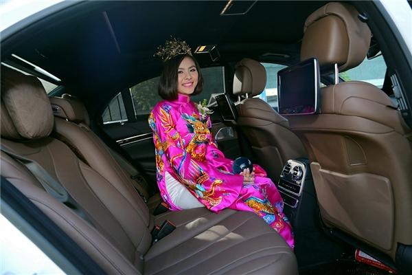 Nụ cười rạng rỡ và ngập tràn hạnh phúc của cô dâu Vân Trang. - Tin sao Viet - Tin tuc sao Viet - Scandal sao Viet - Tin tuc cua Sao - Tin cua Sao