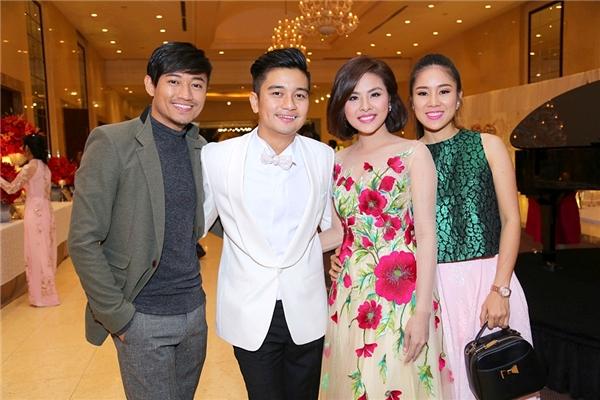Quý Bình và Lê Phương do bận việc cá nhân nên đến dự tiệc khá muộn - Tin sao Viet - Tin tuc sao Viet - Scandal sao Viet - Tin tuc cua Sao - Tin cua Sao