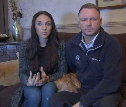 Hai vợ chồng quyết định chi tiền tỉ cho việc nhân bản cún cưng. (Ảnh: Sky News)