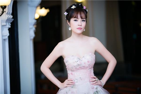 Vẻ đẹp tinh tế và nữ tính của Dương Cẩm Lynh. - Tin sao Viet - Tin tuc sao Viet - Scandal sao Viet - Tin tuc cua Sao - Tin cua Sao