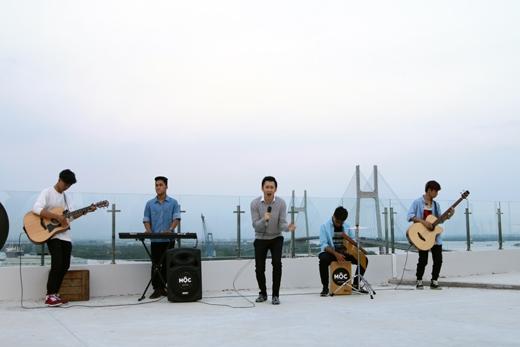 Dương Triệu Vũ phiêu theo giại điệu bài hát