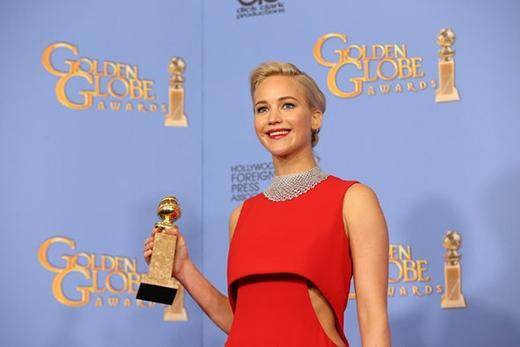 Jennifer Lawrence với Quả Cầu Vàng thứ 3 trong sự nghiệp (Ảnh: Monica Almeida)