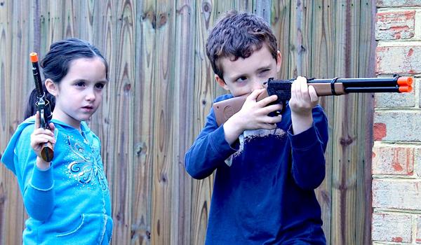 Trò cảnh sát bắt cướp mà mọi trẻ em đều yêu thích (Ảnh: Internet)