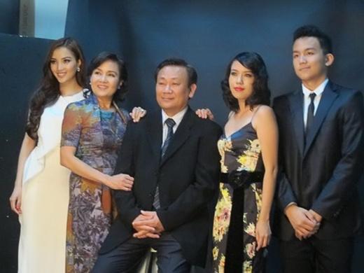 Gia đình của người đẹpHuỳnh Bích Phương - Bill Huỳnh.(Ảnh: Internet)