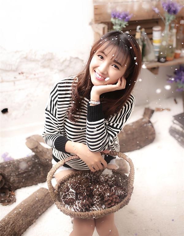 Nổi bật với ngoại hình xinh xắn cũng nhưng nỗ lực diễn xuất trong vai trò là người mẫu ảnh, diễn viên phim ngắn trên mạng, Huỳnh Đan hiện là một trong những hot Facebooker được yêu mến.