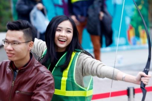 Xuất hiện hotgirl bắn cung xinh ngất ngây ở Hà Nội gây bão mạng