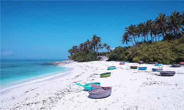 Bãi biển trên đảo. (Ảnh: Internet)