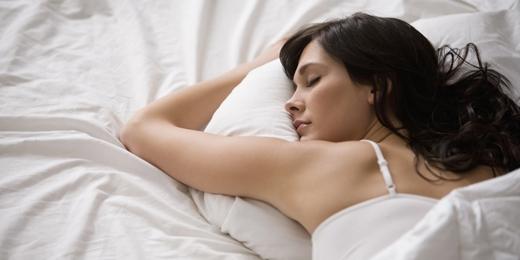 Để có giấc ngủ ngon, không suy nghĩ trong khi ngủ.(Ảnh: Internet)