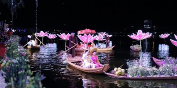 Cận cảnh màn trình diễn của Đàm Vĩnh Hưng trong đám cưới đại gia 10 tỉ