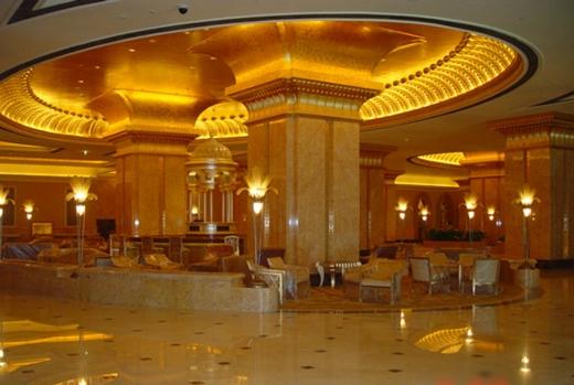Khách sạn 7 sao dát vàng cũng là địa điểm nghỉ Tết không thể bỏ qua của các đại gia trong năm mới. (Ảnh: Internet)