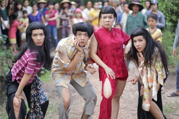 """Sự xuất hiện của hàng loạt cái tên đình đám như Việt Hương, Hoài Linh, Ngô Kiến Huy, Khả Như,…được dự đoán sẽ là một trong những yếu tố làm nên thành công của bộ phim.Đặc biệt, các thành viên trong gia đình đều là những """"cao thủ"""" từ cha mẹ đến người em út. - Tin sao Viet - Tin tuc sao Viet - Scandal sao Viet - Tin tuc cua Sao - Tin cua Sao"""