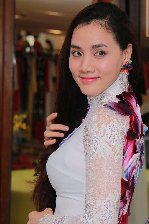 Người đẹp khoe dáng thướt tha cùng màu trắng trẻ trung tinh khôi - Tin sao Viet - Tin tuc sao Viet - Scandal sao Viet - Tin tuc cua Sao - Tin cua Sao