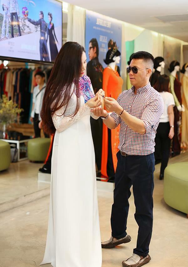 Trang Nhung duyên dáng trong áo dài cưới - Tin sao Viet - Tin tuc sao Viet - Scandal sao Viet - Tin tuc cua Sao - Tin cua Sao