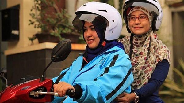Ojeks Syari gây chú ý với việc tuyển dụngcác tài xế là phụ nữ Hồi giáo.(Ảnh: Internet)