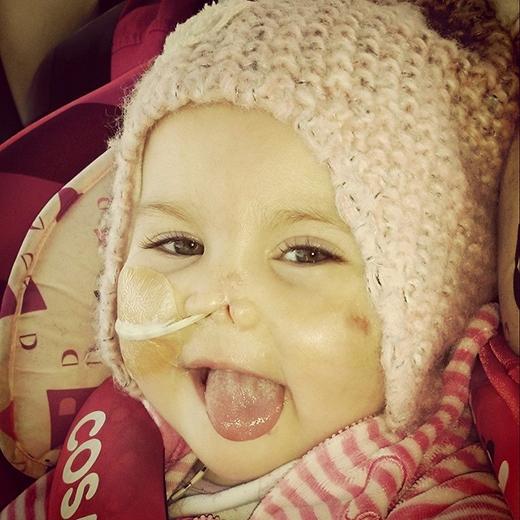 Nụ cười luôn rạng rỡ trên môi cô bé. (Ảnh: HopeForHarmonie)