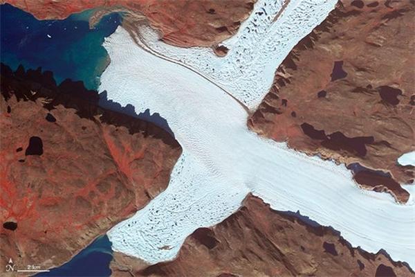 Phía Tây Bắc dòng sông băng Leidy Glacier ở đảo Greenland.