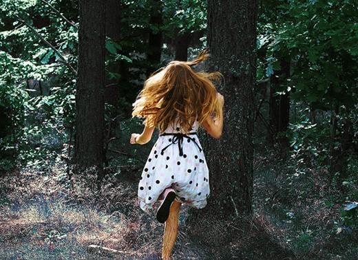 Có điều gì trong đời khiến bạn bị bất an không, vì bạn đang mơ thấy mình đang trốn chạy.(Ảnh: Internet)