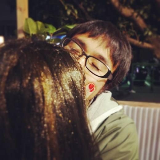Những nụ hôn nồng cháy mà đôi uyên ương dành cho nhau. (Ảnh: Instagram)