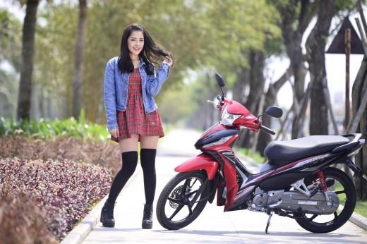 01 giải cho Bức ảnh có ý tưởng hay nhất, 01 giải cho Bức ảnh có lời đề tựa hay nhất, 01 giải cho Bức ảnh có lượng bình chọn cao nhất trên Fanpage Honda Việt Nam đều nhận được 5.000.000 đồng tiền mặt và 01 mũ bảo hiểm Honda kỉniệm 20 năm.