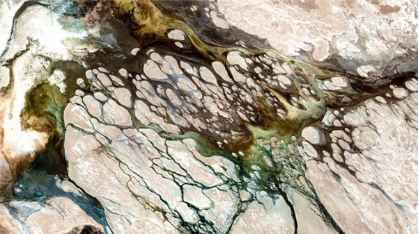Dãy núi lục địa dài nhất thế giới – Andes ở Argentina, trông thế nào khi nhìn từ không gian?(Ảnh Google Earth)