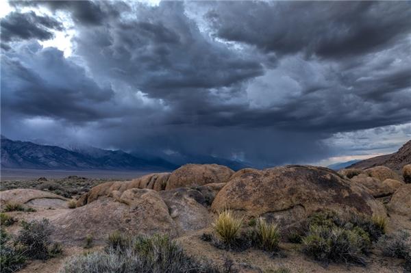 Đám mây trong vùng bão (Ảnh: Internet)
