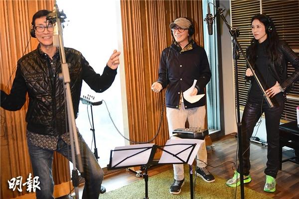 Trịnh Thiếu Thu, Châu Tinh Trì và Mạc Văn Úy đang thu âm nhạc phim Mỹ Nhân Ngư.