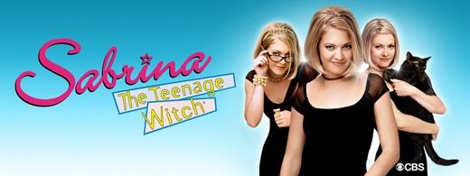 Sabrina - Cô phù thủy nhỏ:Phim kể về cô bé Sabrina Spellman. Vào ngày sinh nhật lần thứ 6, Sabrina đã phát hiện mình là phù thủy với nhiều phép thuật phi thường. Kể từ đó, cuộc sống Sabrina đảo lộn với những tình huống hài hước, dở khóc dở cười xoay quanh nhiềurắc rối tuổi mới lớn lồng ghép trong thế giới phép thuậtkìdiệu. Với những tình tiết mới mẻ, lạ lẫm so với điện ảnh thời đó, bộ phim này rất thu hút các khán giả trẻ. (Ảnh: Internet)