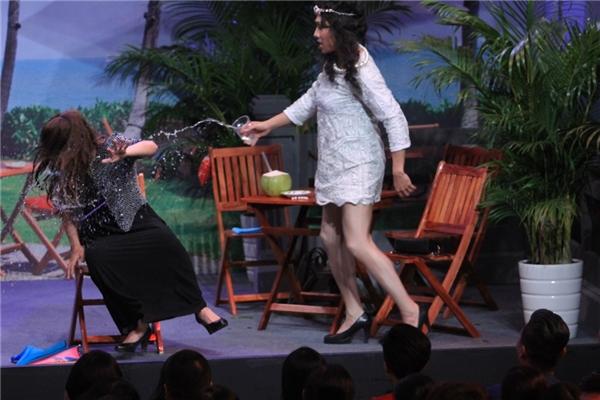 Trấn Thành mạnh tay tạt nước vào mặt Ngô Kiến Huy vì ghen - Tin sao Viet - Tin tuc sao Viet - Scandal sao Viet - Tin tuc cua Sao - Tin cua Sao