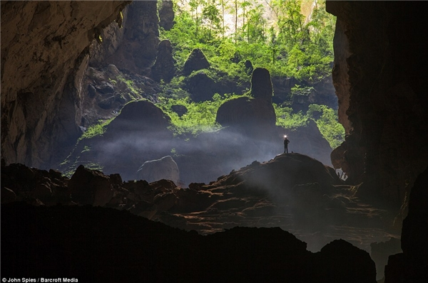 Mót góc nhìn từ hang Sơn Đoòng (Ảnh: Internet)