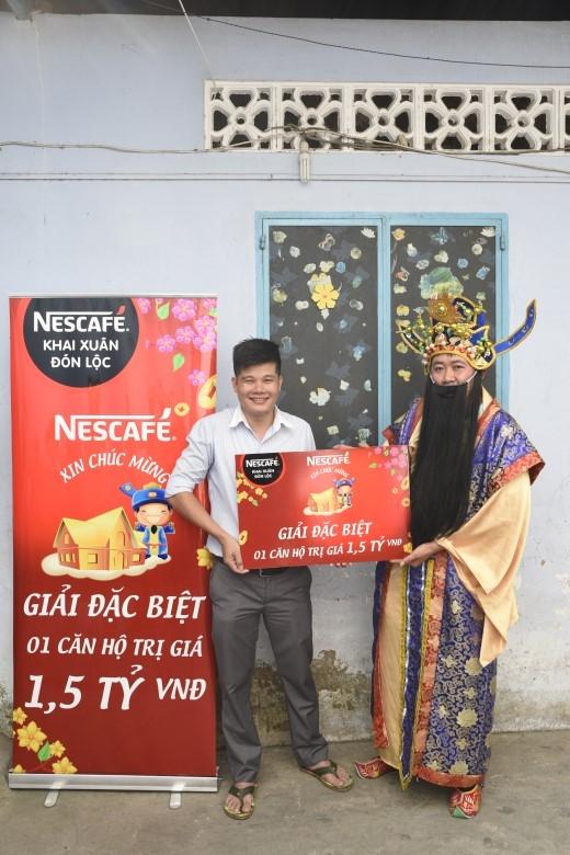 Ông Lộc – Hình ảnh đại diện của NESCAFÉ trao giải căn hộ 1,5 tỉ đồng.