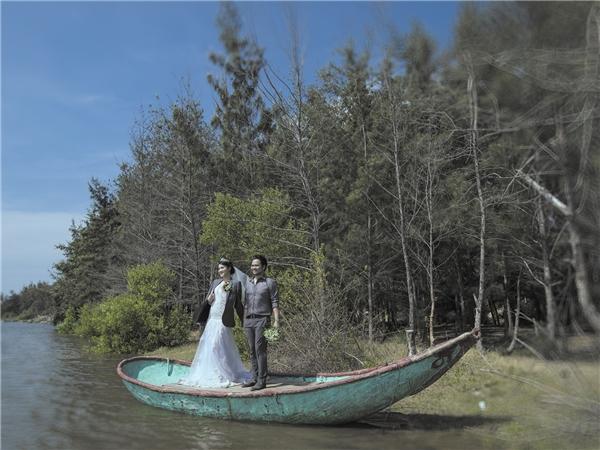 Bộ ảnh cưới lãng mạn được cô cùng ông xã Hoàng Duy cất công thực hiện tại Long Hải. - Tin sao Viet - Tin tuc sao Viet - Scandal sao Viet - Tin tuc cua Sao - Tin cua Sao