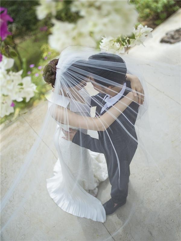 Trang Nhung muốn ghi lại những khoảnh khắc tự nhiên, tình tứ và hạnh phúc nhất của vợ chồng. - Tin sao Viet - Tin tuc sao Viet - Scandal sao Viet - Tin tuc cua Sao - Tin cua Sao