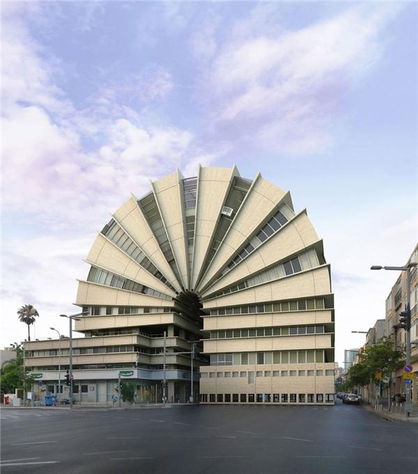 Tòa nhà sau khi được bẻ cong có hình dáng khá thu hút. (Ảnh: Internet)