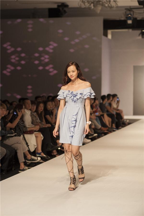 Không quá cầu kì, rườm rà chỉ bằng những nếp vải các nhà thiết kế đã khiến người hâm mộ ấn tượng mạnh.