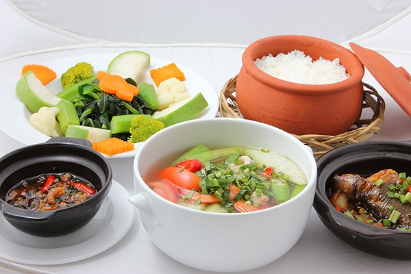 Bữa cơm truyền thống của người Việt bao giờ cũng có món canh. (Ảnh: Internet)