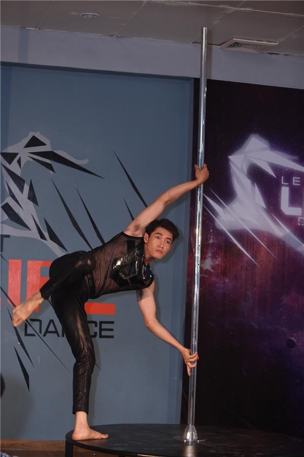 Quang Đăng được đánh giá là một vũ công trẻ mang tâm huyết rất lớn dành cho nghề. - Tin sao Viet - Tin tuc sao Viet - Scandal sao Viet - Tin tuc cua Sao - Tin cua Sao