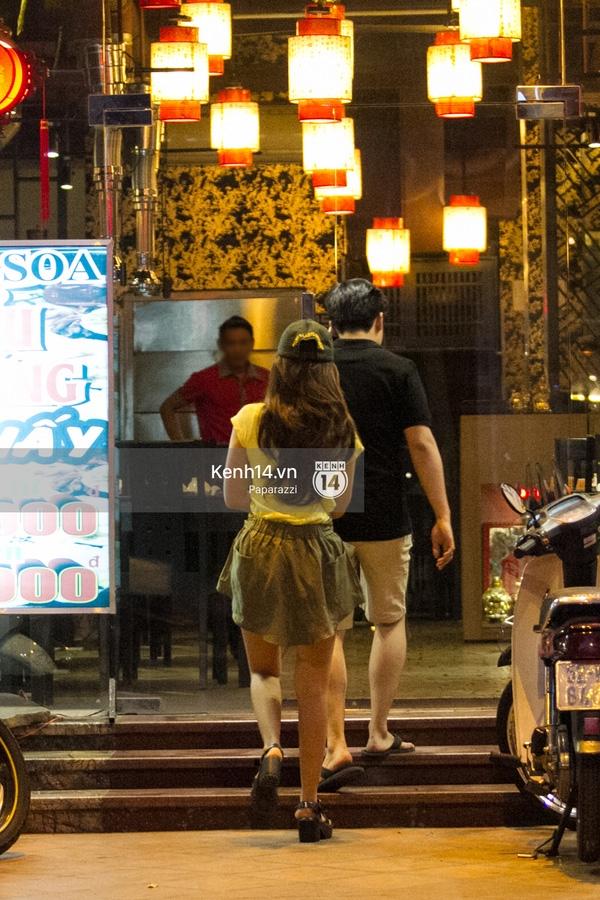 Cả hai dùng bữa tại một quán ăn trên đường Phạm Ngọc Thạch, Quận 3. (Ảnh: Internet) - Tin sao Viet - Tin tuc sao Viet - Scandal sao Viet - Tin tuc cua Sao - Tin cua Sao