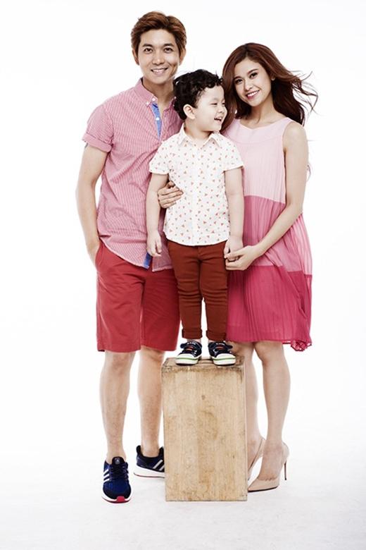 Gia đình hạnh phúc của Tim và Trương Quỳnh Anh (Ảnh: Internet) - Tin sao Viet - Tin tuc sao Viet - Scandal sao Viet - Tin tuc cua Sao - Tin cua Sao