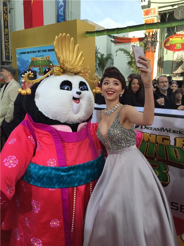 Tóc Tiên là đại diện của Việt Nam vinh dự góp mặt trong buổi ra mắt phim Kungfu Panda 3. - Tin sao Viet - Tin tuc sao Viet - Scandal sao Viet - Tin tuc cua Sao - Tin cua Sao